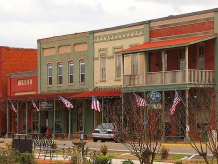 22 of the Smallest Towns in America Worth Visiting