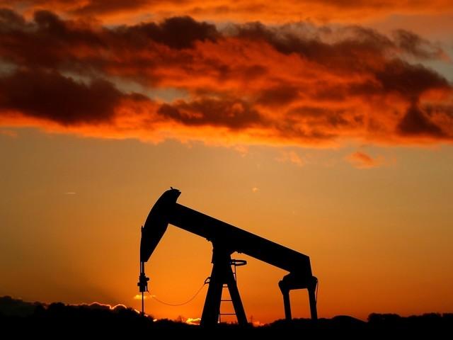 Oil tumbles into a bear market as recession fears rage (WTI)