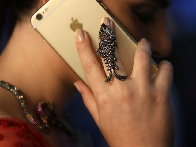Lebanon plans to charge a fee for internet voice calls
