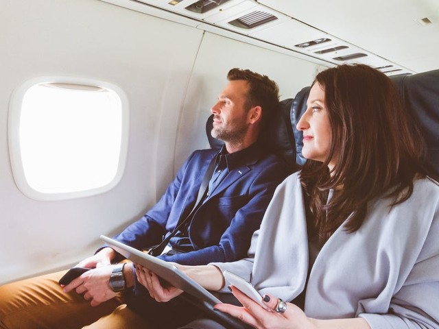 10 airline credit cards that offer companion deals so you can bring along a friend for only taxes and fees