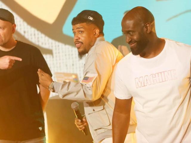 DJ Shadow & De La Soul Perform On 'Kimmel'