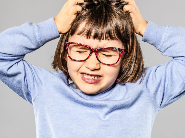7 Fool-Proof Ways To Ensure Your Children Never Get Head Lice, According To 'Expert Advice'
