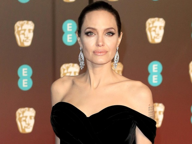 Report Alleges Angelina Jolie Is A 'Neighbor From Hell'