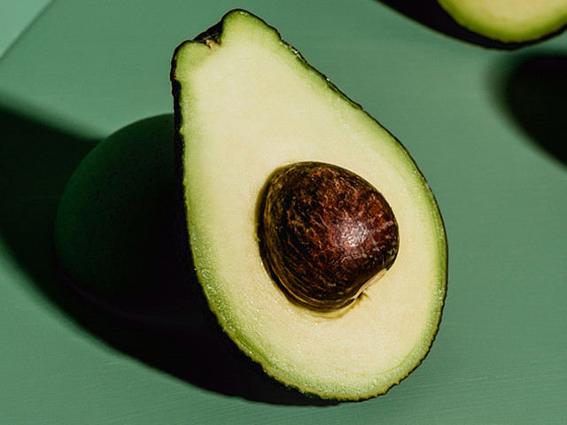 What Is the Difference Between a Hass Avocado and a Florida Avocado?