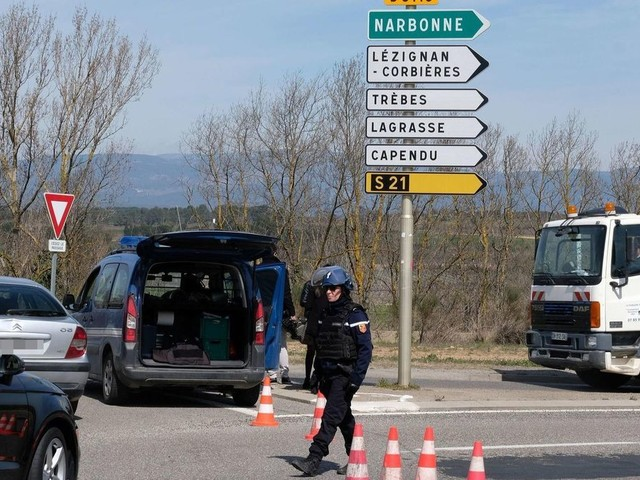 Three killed in France supermarket attack; Islamic State claims responsibility