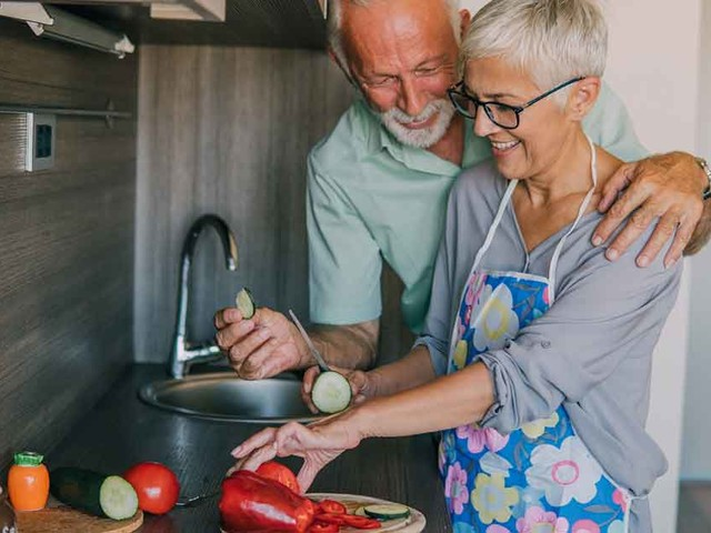How to Raise or Lower Your Dementia Risk Through Diet