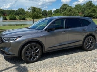 Review: 2022 Acura MDX Adds Wireless CarPlay to a Touchpad-Driven Infotainment System