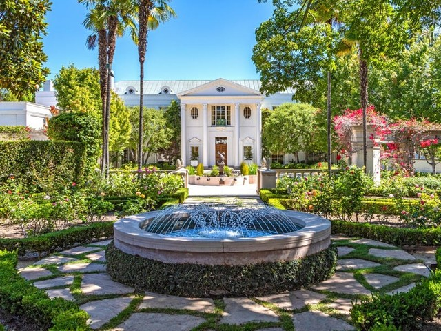 Look inside the most expensive house for sale in the US: 'Casa Encantada,' a legendary Bel-Air mansion asking $225 million