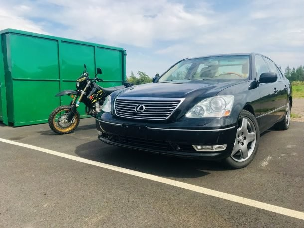The Comparison Test We've All Been Waiting For: 2005 Lexus LS430 vs. 2018 Suzuki DR-Z400SM