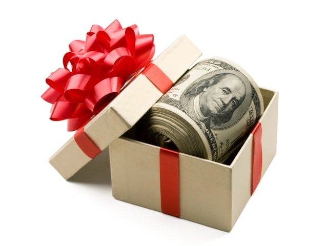 Gift Money for Down Payments: Lender Requirements and Tax Concerns
