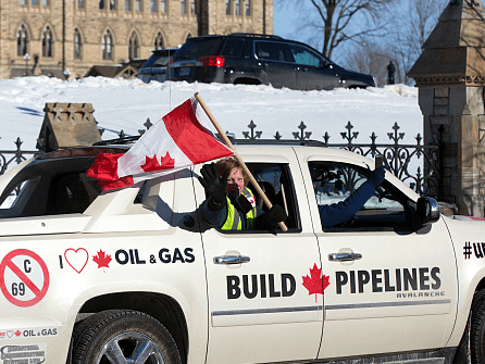 Trudeau Says First Nations Pipeline Blockade Must End as 1,450 Workers Laid Off