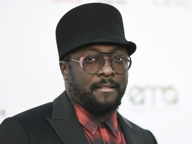 Airline Backs Flight Attendant Will.i.am Accused of Racism