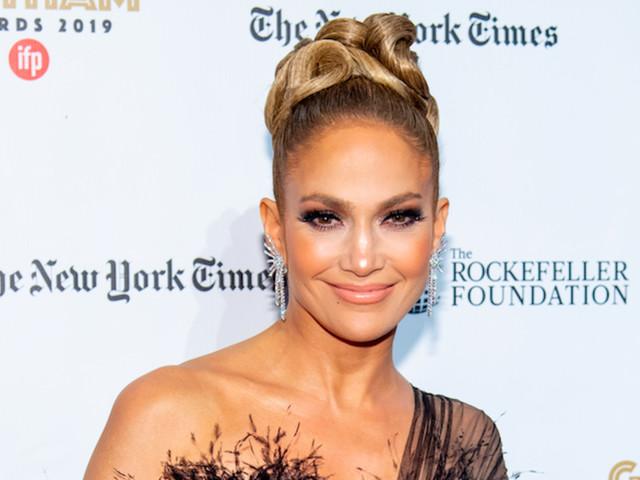 Jennifer Lopez Brings Back the Green Dress in Her 'SNL' Monologue