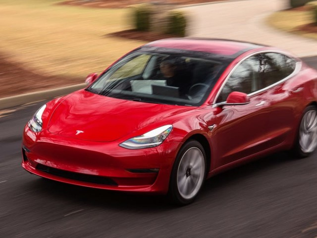 The long-range Tesla Model 3 can now do 0-60 mph in 3.9 seconds — so I decided to compare it with the BMW M3 (TSLA)