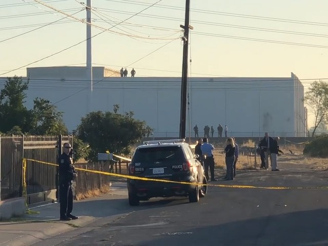 1 dead, 1 critically hurt in south Sac shooting, closing light-rail tracks, police say