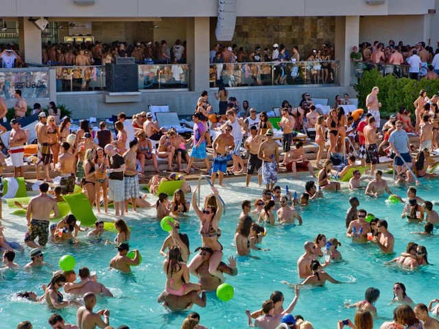 Las Vegas pool season is here but will look different this year. Here's what you need to know.