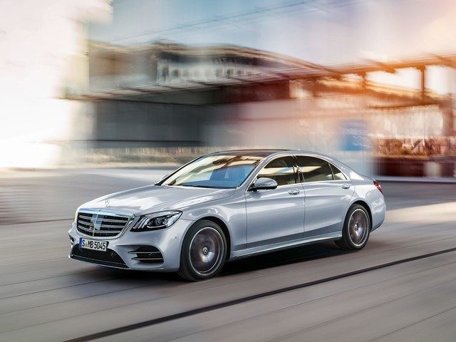 It's a Car Bloodbath Out There, but a Few Large Sedans Can Claim They're Having a Good Year