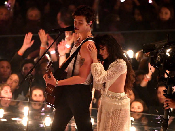 """Watch Camila Cabello & Shawn Mendes Sing """"Señorita"""" Together For The First Time At The VMAs"""