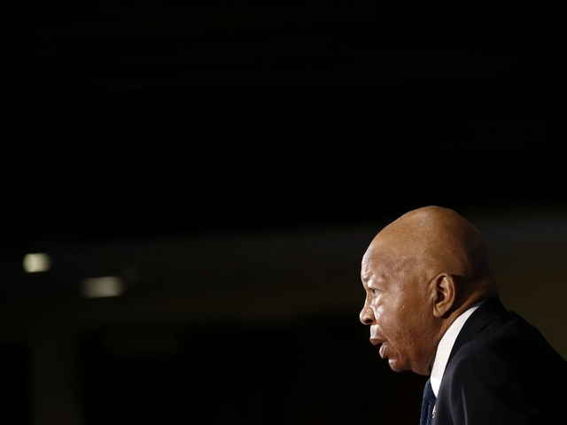 Nearly half a dozen Democrats consider bids to replace Cummings as House Oversight chairman