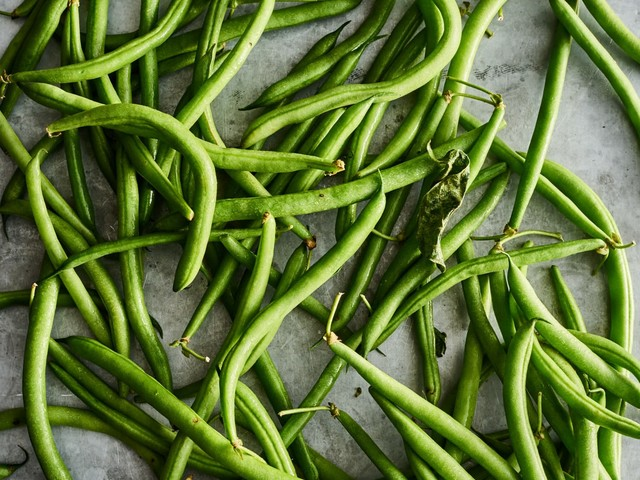 Green Beans: The Best Ways to Pick Them, Trim Them, Cook Them, and Eat Them