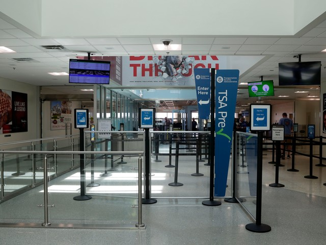 TSA officers bar Florida teen with autism from flying; airport director apologizes