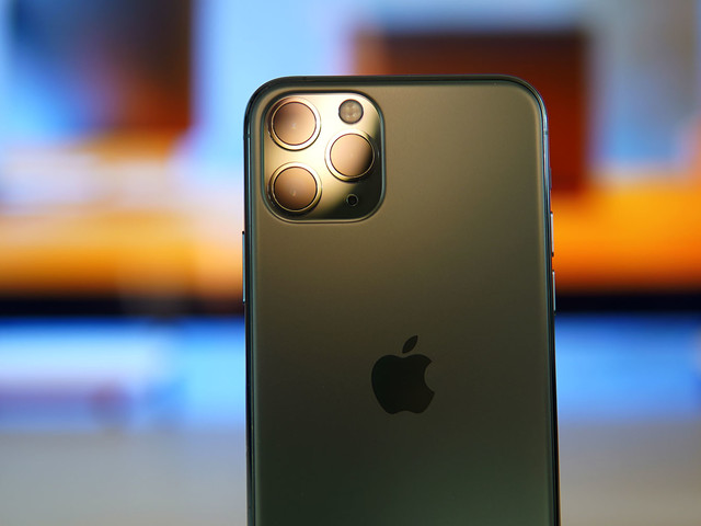 iPhone 12 Production Reportedly Runs Into Quality Issues