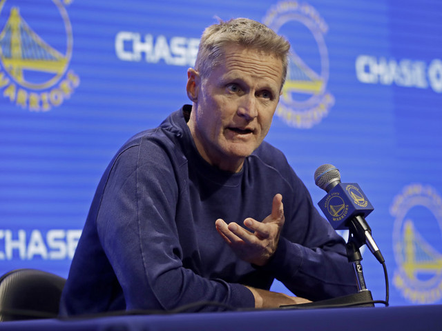 President Trump renews attack on Warriors coach Steve Kerr