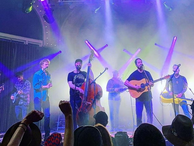 The Infamous Stringdusters & Yonder Mountain String Band Cover Grateful Dead & Rolling Stones In Seattle