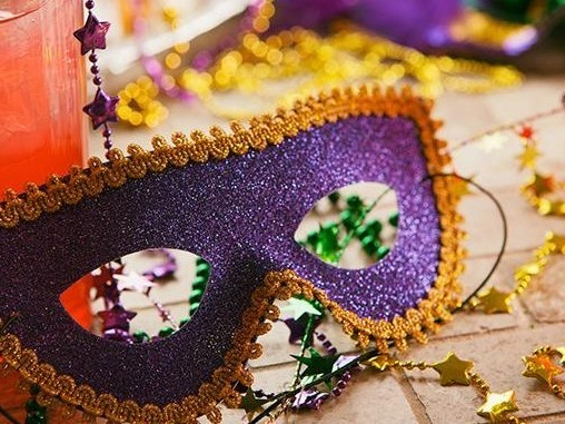 How to Make 16 Mardi Gras Treats and Drinks for Less
