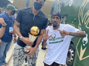 BUCKS ON PARADE! Former Baller Brandon Jennings Does The Absolute Most, Giannis & The New NBA Champs Celebrate
