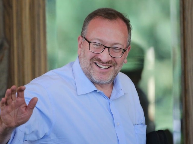 Billionaire Seth Klarman says Fed aid 'infantilized' investors and decoupled the stock market from fundamentals
