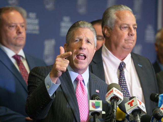 PBA chief calls for vote of 'no confidence' in de Blasio, O'Neill