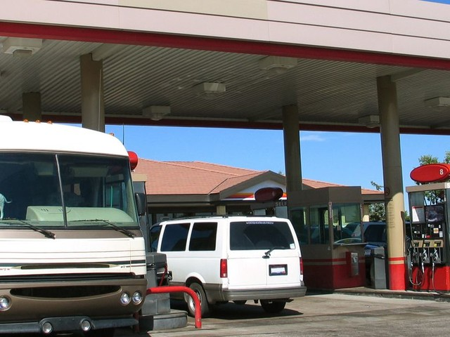 20 Ways to Save Money on Gas for Your RV