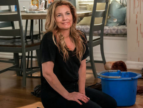 Drew Barrymore Reveals Why She Loves Santa Clarita Diet's Blood and Guts (And What They're Made Of!)