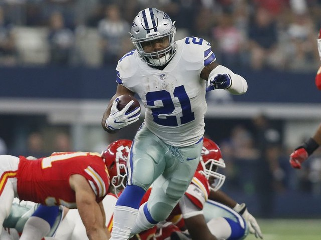 Top daily fantasy football plays for Week 16 of the NFL season