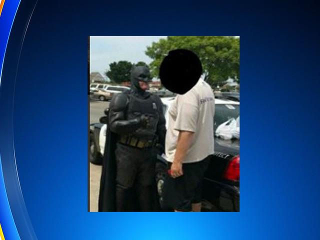 Off Duty Cop Dressed As Batman Stops Shoplifter Stealing Batman Movie