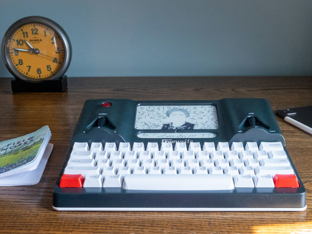 A $600 e-ink typewriter got me one step closer to writing a novel