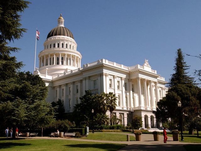 New Cal Grant bill would expand eligibility, bringing major changes to state financial aid program