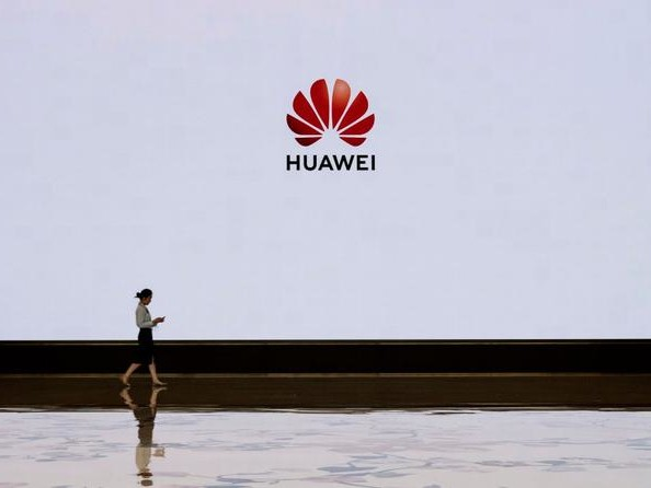 Gordon Chang: Do Not Support China's Huawei, Cripple It Instead