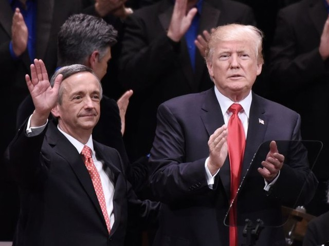 Pastor Who Sermonized That Jews Are Going to Hell Was Trump's Pick to Speak at White House Hanukkah Reception