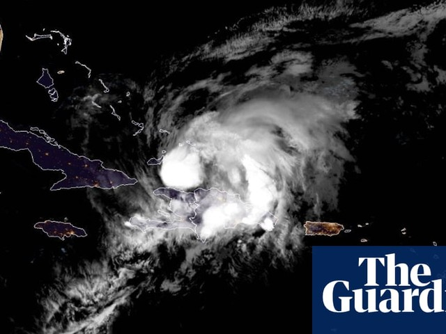 Hurricane Isaias drenches Bahamas as Florida braces for storm