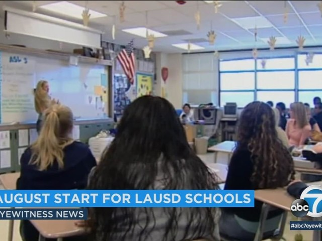 Los Angeles Unified School District votes to keep mid-August start