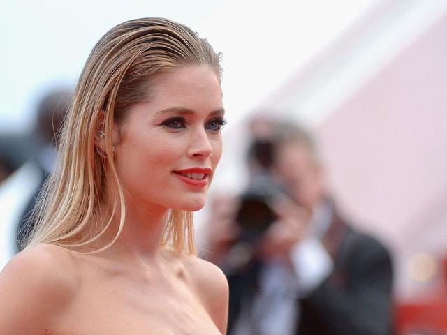 Supermodel Doutzen Kroes refuses vaccination in defiant social media post: 'I will not be forced to take the shot'