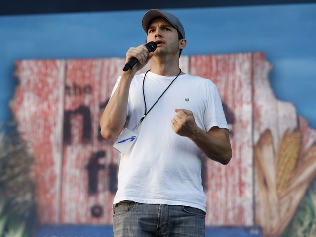 Ashton Kutcher will try to soothe coronavirus pandemic anxiety with a virtual story time