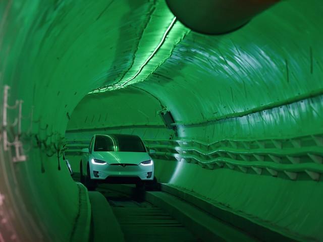 What it feels like to drive a Tesla Model X inside Elon Musk's loop tunnels