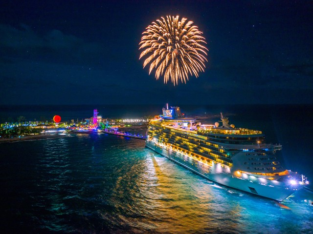 Our favorite Perfect Day at CocoCay late night photos