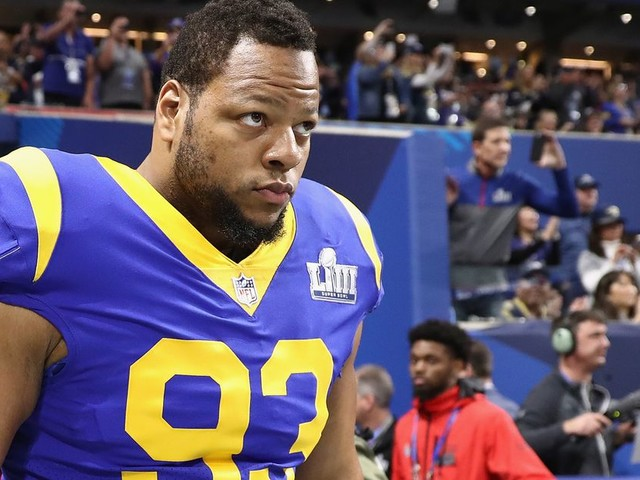 Tampa Bay Swaps Out Gerald McCoy for Ndamukong Suh
