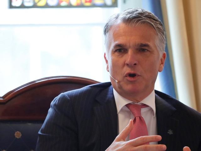 UBS has a new group to help advisers working with the mega-rich — it's part of a plan to rake in $70 billion in assets over three years (UBS)