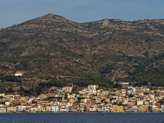Pursuits: On Samos, Aesop's Fabled Isle, a Mix of Greeks, Migrants and Tourists