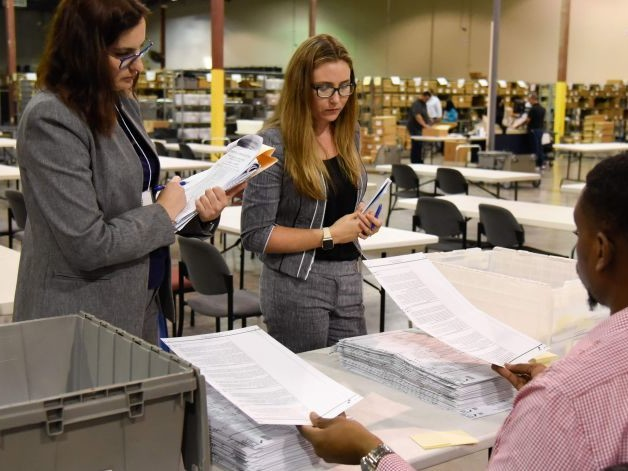 Florida Senate Fight Heads to Manual Recount